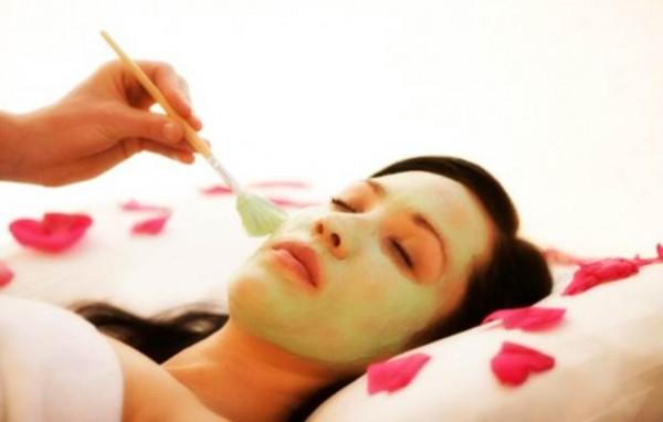 yüz-gerdirici-bitkisel-maske